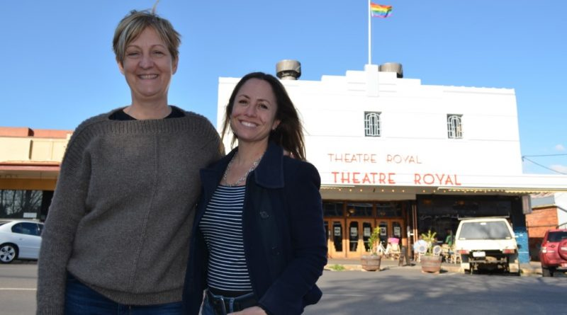 Hollywood producer and writer Anne Kenney and Associate Professor Clare Wright outside the Theatre Royal.
