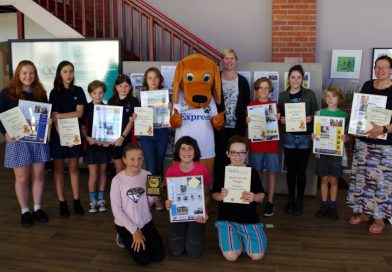 Some of our newshounds are pictured with Mail Journalist Donna Thomas and Elliott Newshound at the presentations. Photo: Max Lesser.